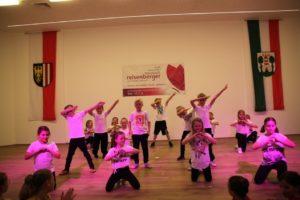 Aufführung der Bad Leonfeldner Dance4Fans-Clubs