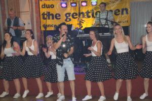 "Söcklball Gutau – unsere Spirits on Flames tanzen mit Sänger ""Rocky"""